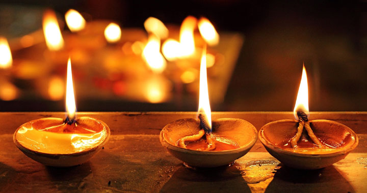 Traditional Diwali Diya Decorations